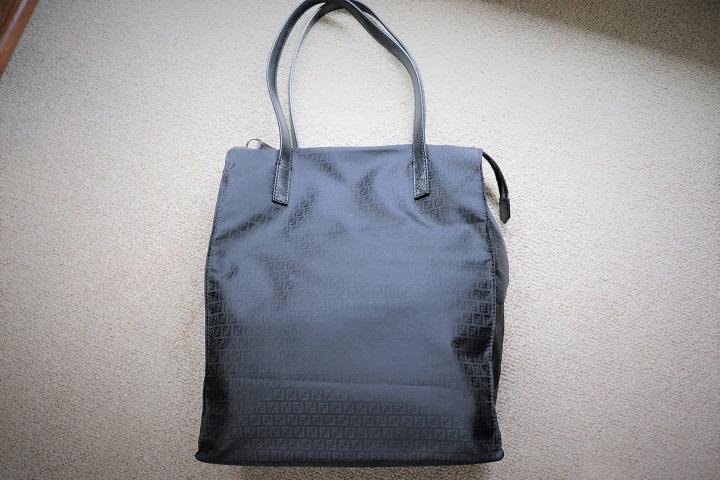 おしゃれにコーデしたい、バッグは、無地・柄・それとも・・・