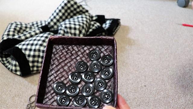 全14個ものボタンを総取替えし、劇的に変化したジャケット